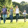 Protecția solară adecvată pentru pielea delicată a copiilor