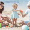 Vacanța la mare fără peripeții: pregătirea bagajului și alegerea fotoprotecției pentru toată familia