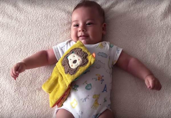 De ce e bine să vorbim cu bebelușii noștri